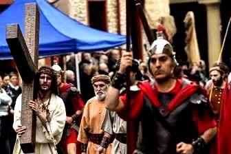 Imagini spectaculoase cu ceremonii religioase de Vinerea Mare