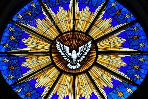 San Salvador, El Salvador, Central America: Metropolitan Cathedral - the Holy Spirit as a dove - stained glass - rose window - photo by M.Torres