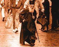 Patriarhul Pavle al Serbiei, exemplu de umilinta si saracie! Purta o singura mantie si cativa pantofi vechi pe care ii repara singur! N-avea masina la dispozitie, nici secretar, nici asistenti personali... n-avea nimic!