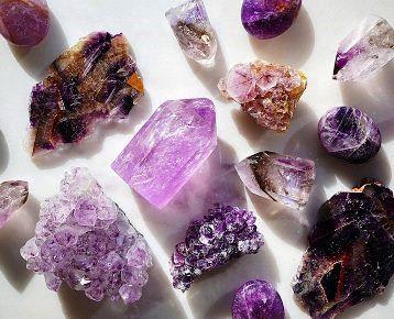 Proprietatile metafizice ale cristalelor: ele pot amplifica gandurile si altera starile de constienta