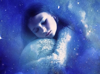 Vrei sa fii constient(a) in timpul somnului si sa-ti controlezi visele? Iata cum!